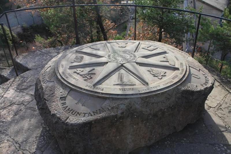 Centre geogràfic de Catalunya Santuari de Pinós