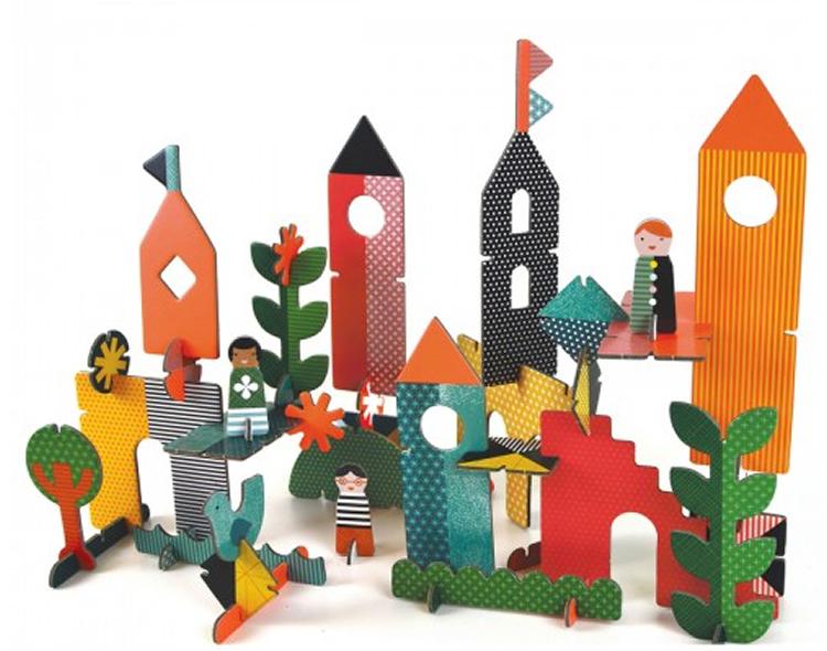 totnens-joguines-petit-collage1