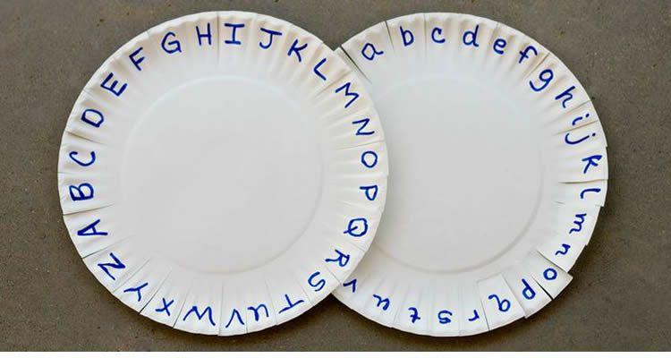 totnens-aprenem-fet-amb-plats-plastic3