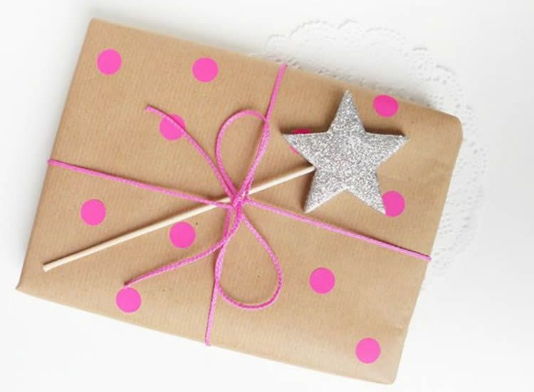 totnens-manualitats-nadal-embolicar-paper-kraft2