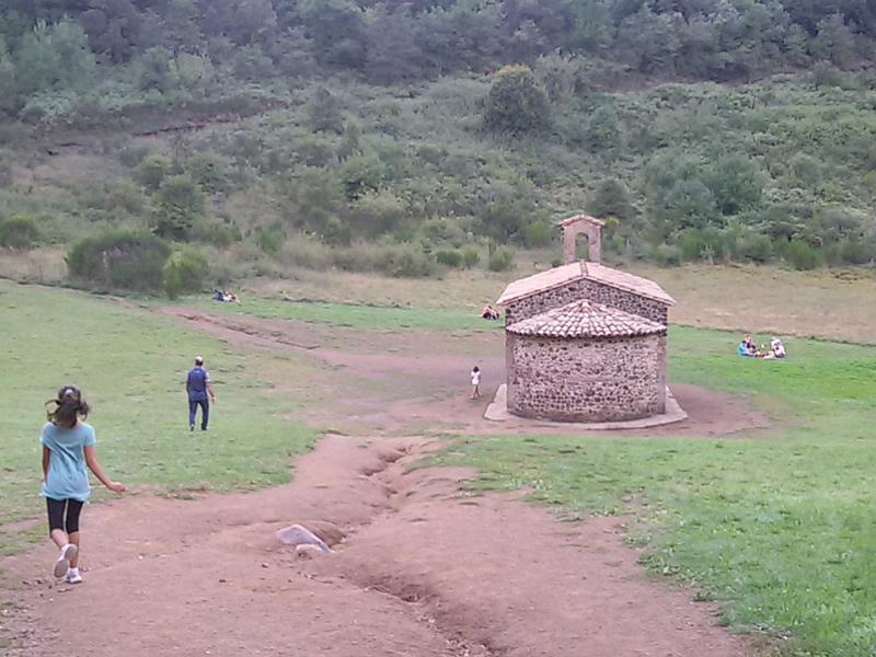Santa Pau i el volcà de Santa Margarida