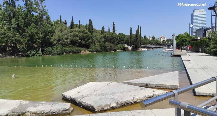 Parc de Catalunya de Sabadell pas del llac