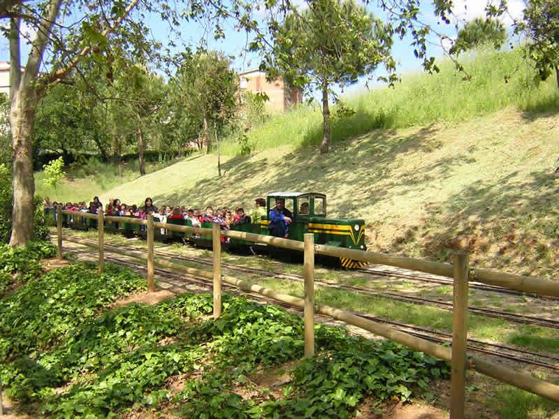 5 parcs amb trenet per anar amb nens 1 totnens for Piscina can mercader