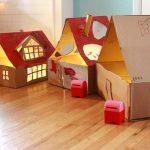 Caseta de cartró per a les nines: models de com fer-les