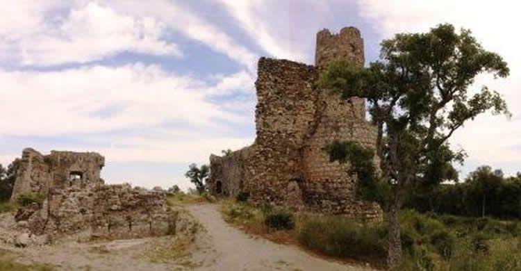 Castell de Sant Iscle amb nens. Dades i mapa.