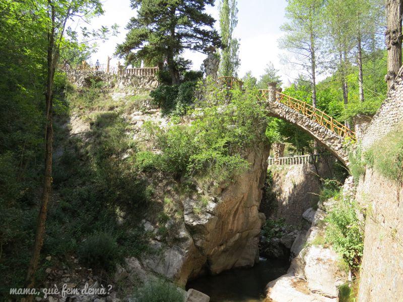 Visitar els Jardins Artigas de Gaudí amb nens