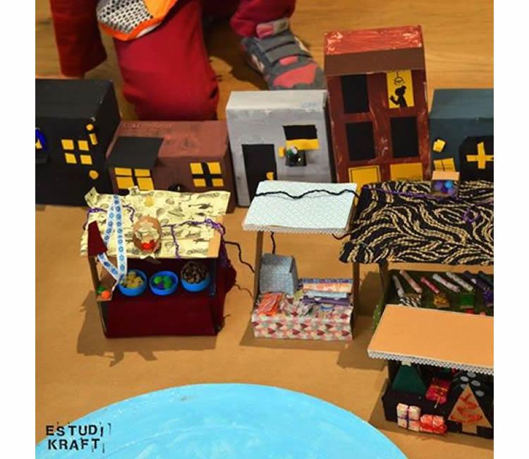 MAQUETES KRAFT. L'arquitectura vista pels nens al COAC d'Osona