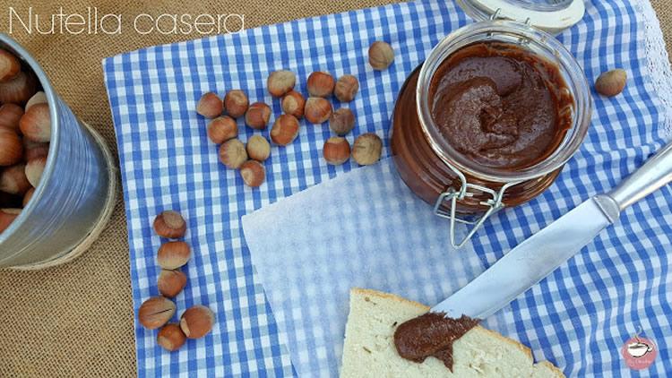 Crema de xocolata i avellanes feta a casa
