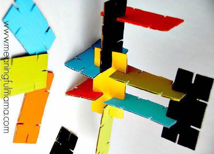 Com fer peces de cartró per fer construccions