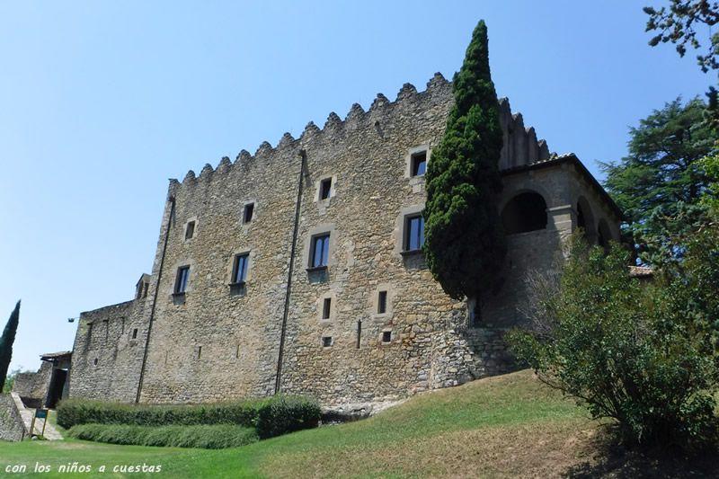 Ruta del castell de Montesquiu al castell de Besora