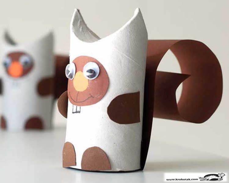 Creatius animals amb tubs de cartró