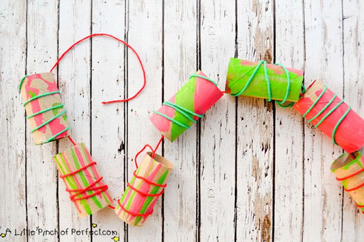 Garlandes nadalenques per fer a casa tubs de cartro