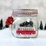 Boles de neu dins d'un pot de vidre