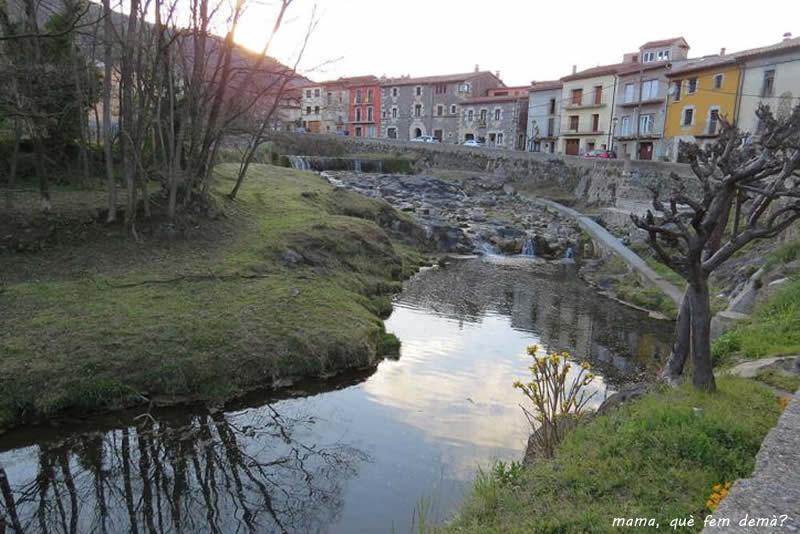 vistes des del carrer Sant Sebastià de Sant Feliu