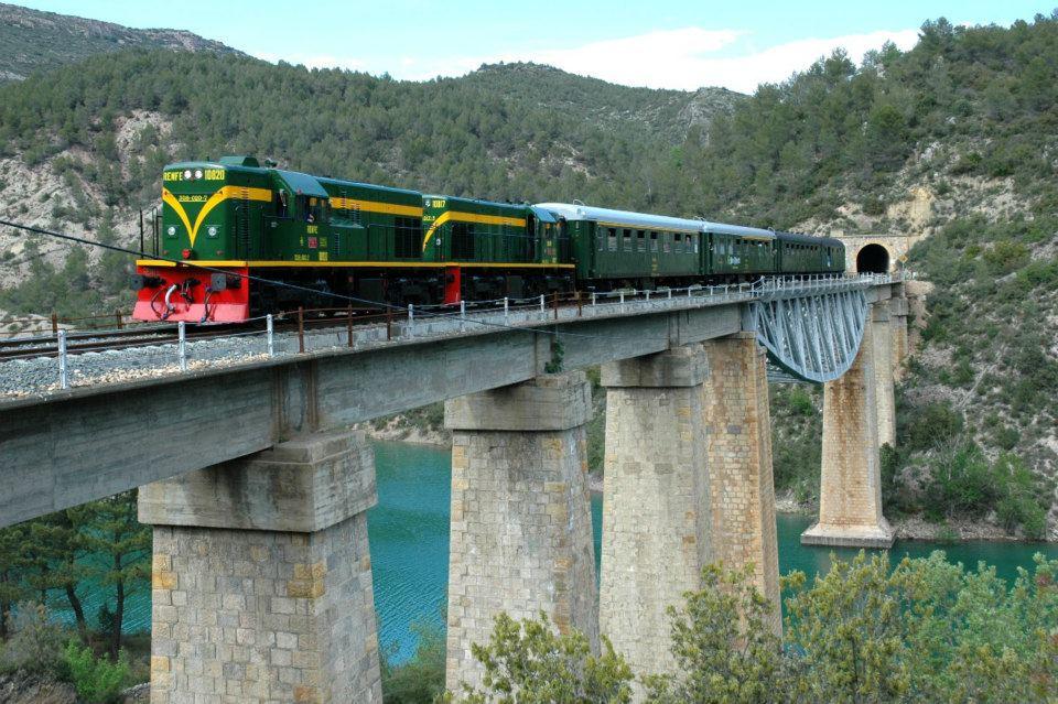 Tren dels Llacs, de Lleida a La Pobla de Segur