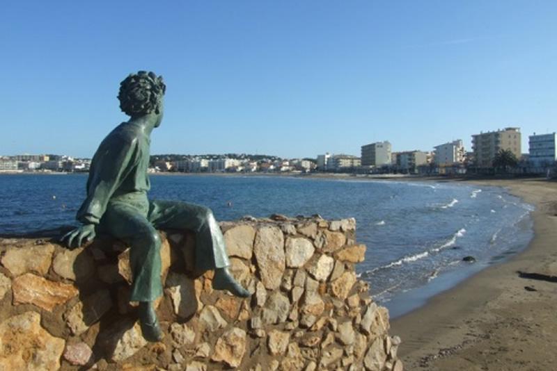El Petit Princep a la platja de Riells de L'Escala