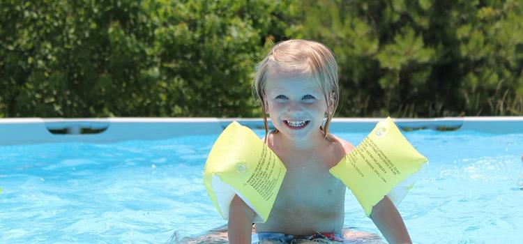 Guia bàsica per evitar accidents a la piscina amb els nens