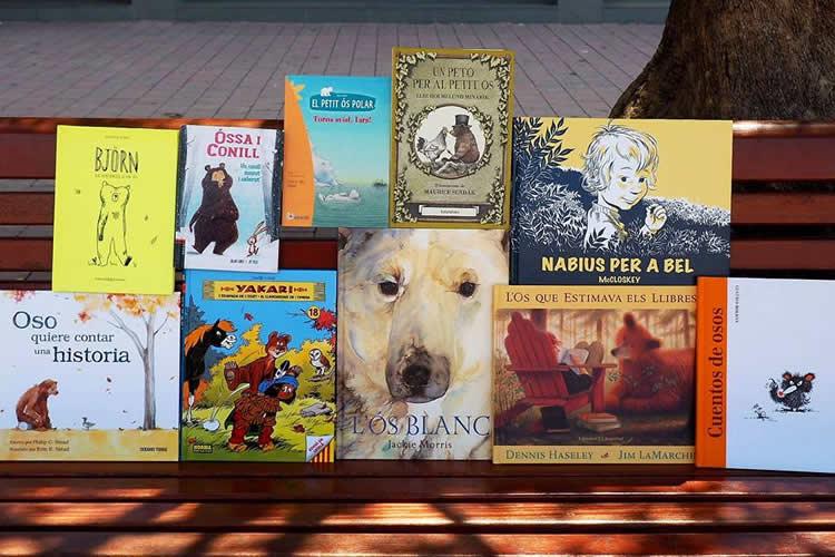Llibres d'ossos al club de lectura de les puces