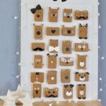 Calendari d'Advent amb caixes i paper d'embalar