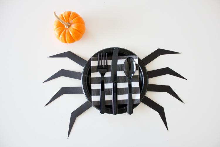 Decorar la taula per a Halloween