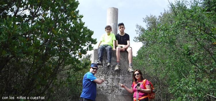 Puig d'Arques i dolmen d'Arques