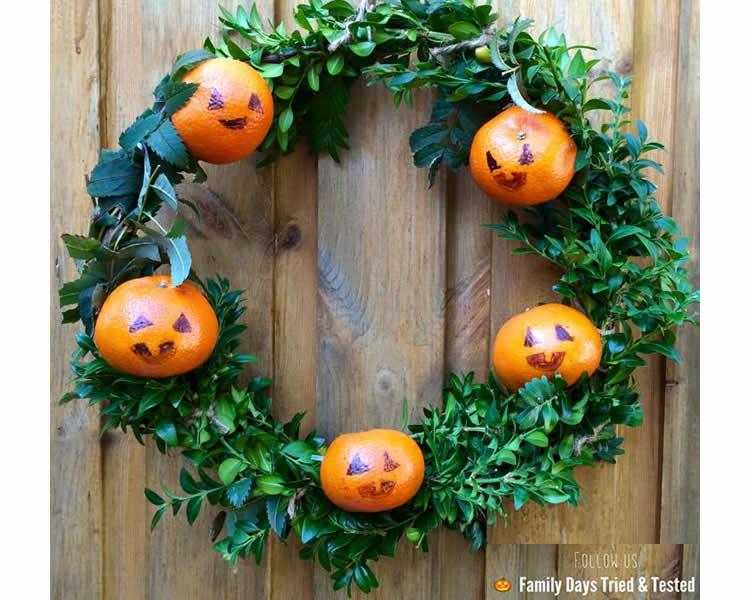 corones de Halloween per decorar la porta