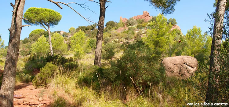 Castell d'Eramprunya i la Roca Foradada