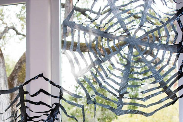 com fer una teranyina per decorar Halloween