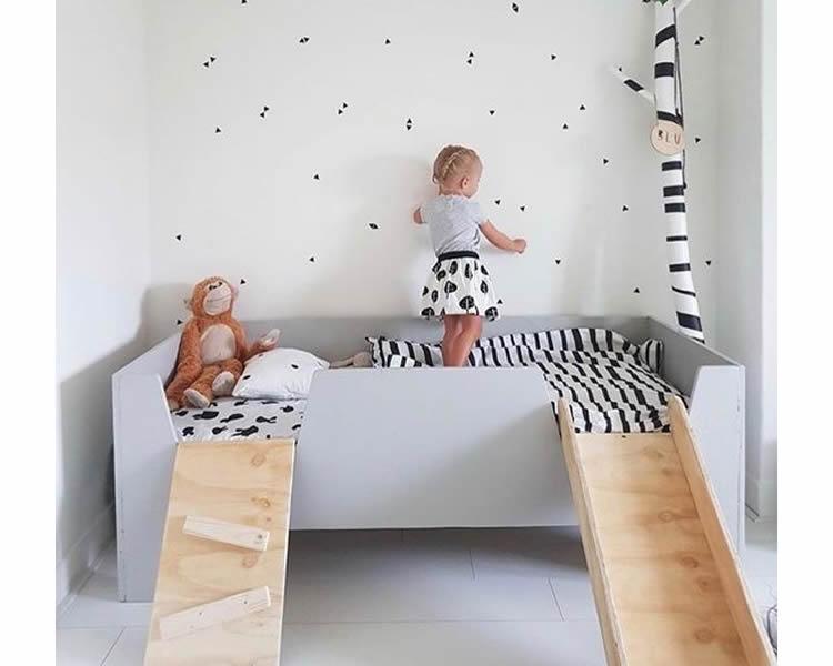 llits per pujar amb escala