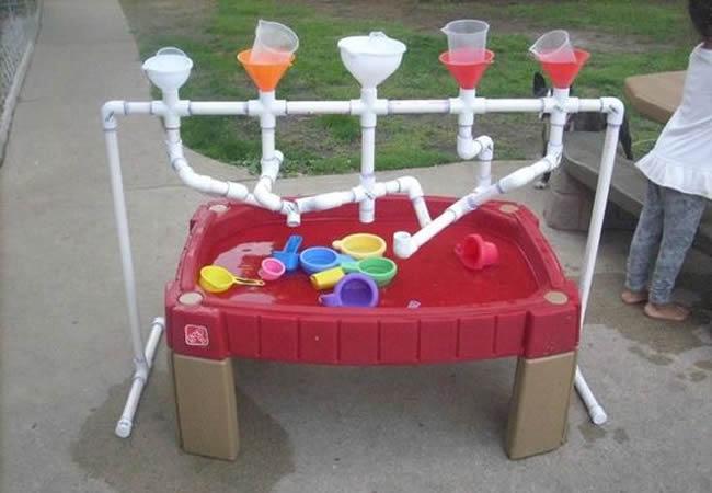Tubs de PVC per fer jocs d'exterior