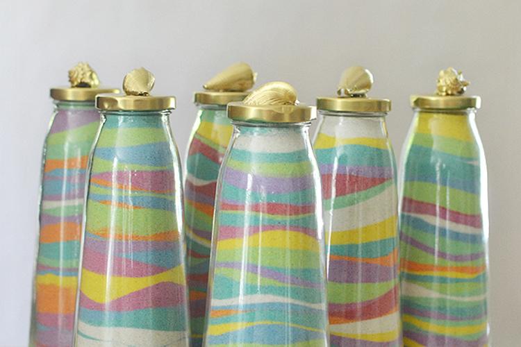 com fer sorra de colors per decorar un pot de vidre
