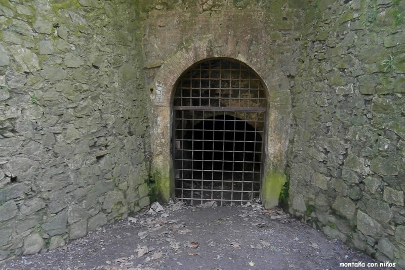 Entrada Mina Grott