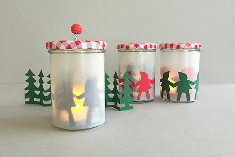 follets i bolets en un pot de vidre amb llum