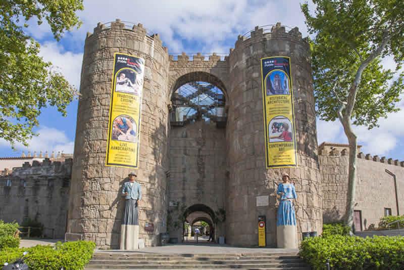 porta Poble Espanyol de Barcelona
