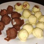 Boles de coco amb xocolata