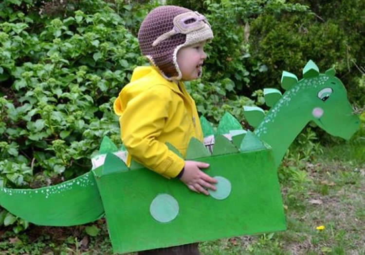 caixes de cartró per a disfresses dinosaure