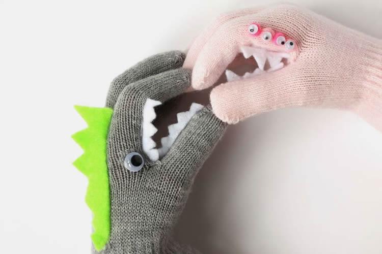manualitats amb guants grrrr