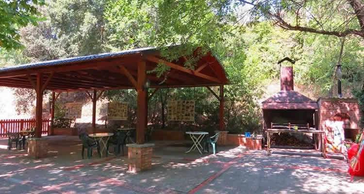 Parc del Llac de Navarcles cabana del llac