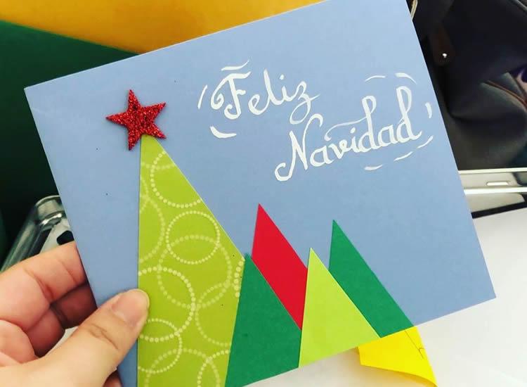 7 Postals d'arbres de Nadal triangles