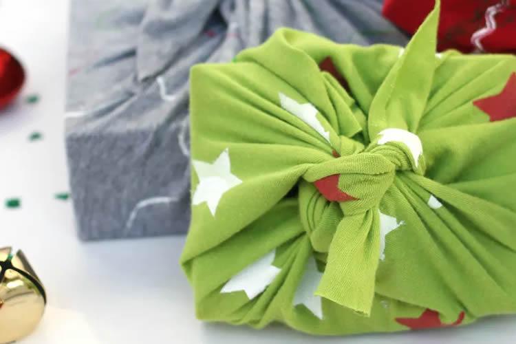Embolicar regals de manera sostenible samarretes