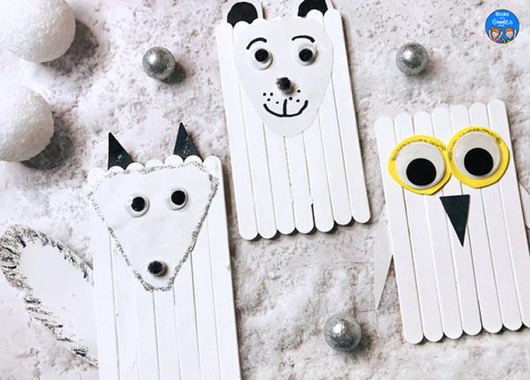 Animals de l'àrtic amb pals de gelat