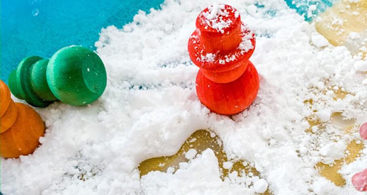 Fem neu amb crema d'afaitar i bicarbonat sòdic