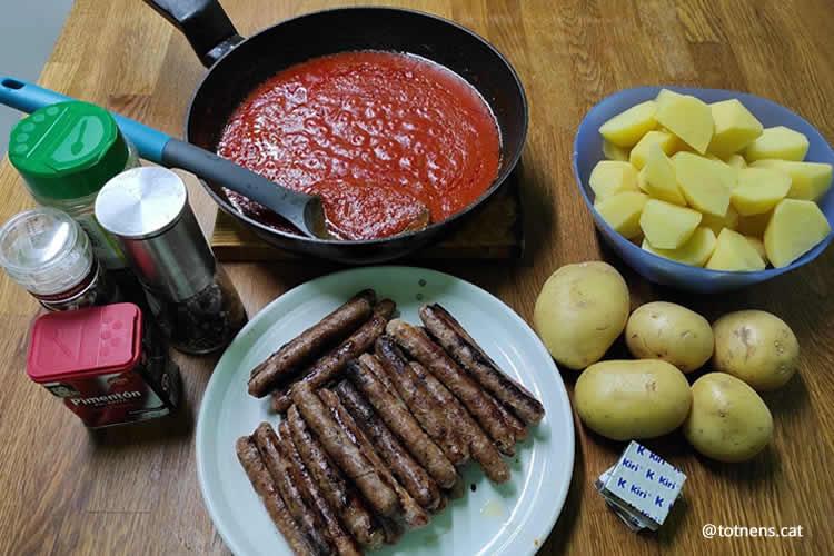 salsitxes amb amb puré de patata ingredients