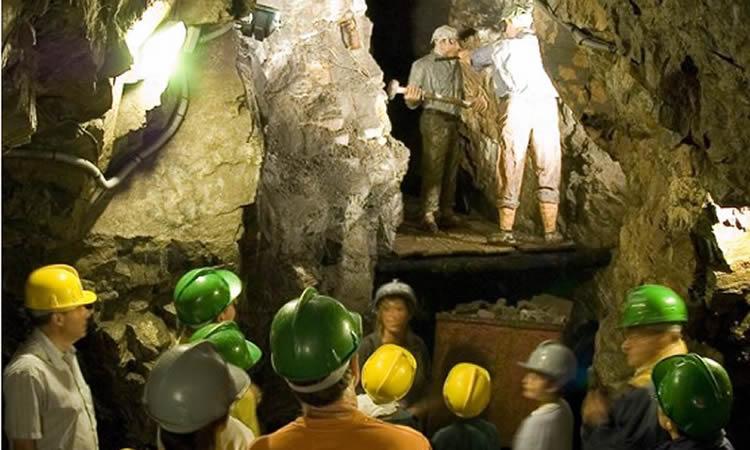 dins la mina de Bellmunt del Priorat