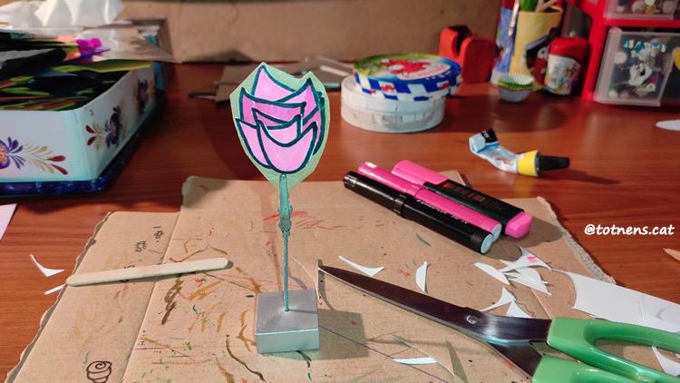 material per fer roses sant jordi