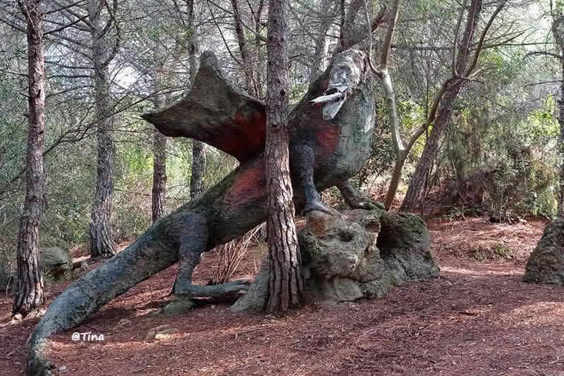 Bosc escultures de La Garriga – La cabana dels nans